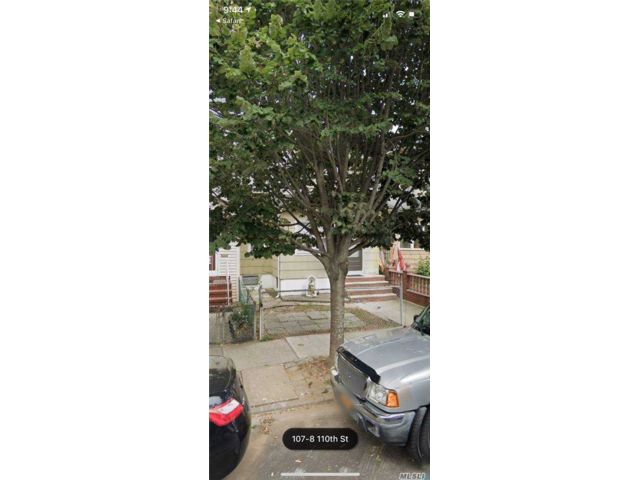3 BR,  2.00 BTH Townhouse style home in Jamaica