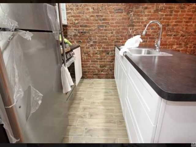 3 BR,  1.00 BTH  Contemporary style home in Bushwick