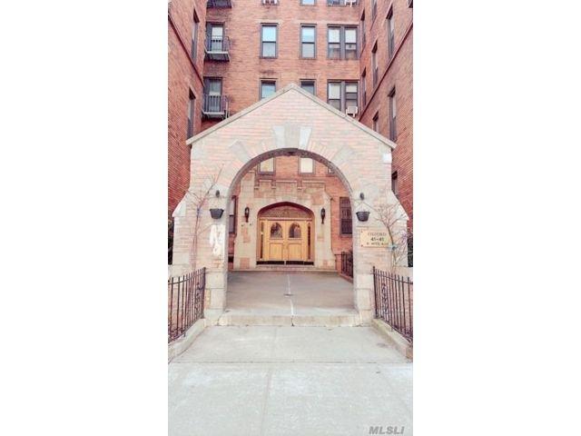 [Sunnyside Real Estate, listing number 3174740]