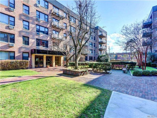 1 BR,  1.00 BTH Other style home in Mineola