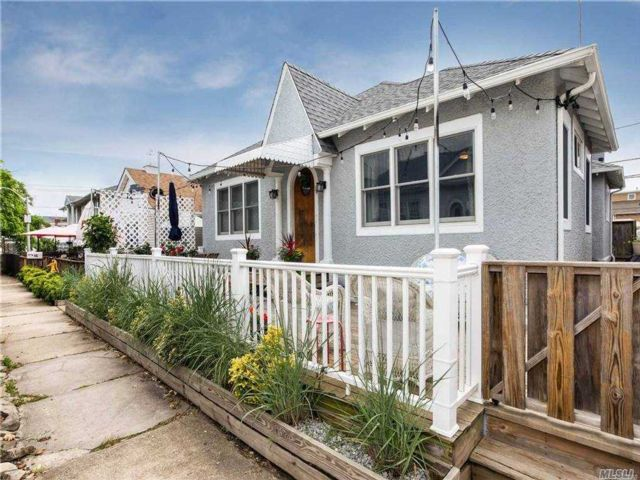 3 BR,  1.00 BTH Ranch style home in Long Beach
