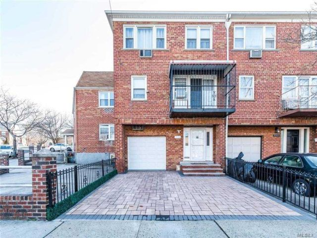 6 BR,  6.00 BTH Other style home in Woodside