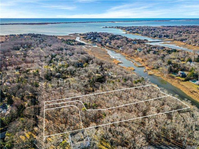 Lot <b>Size:</b> .98 Land style home in Westhampton