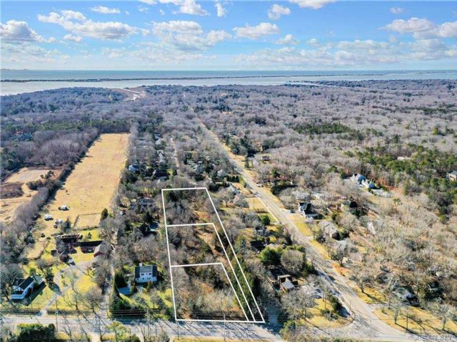 Lot <b>Size:</b> .83 Land style home in Westhampton
