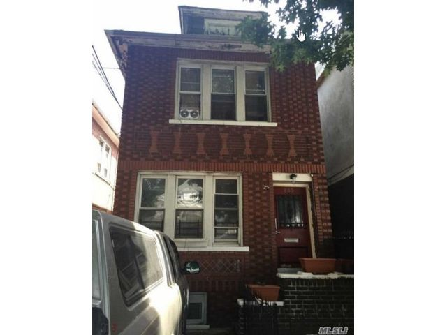 6 BR,  3.00 BTH 2 story style home in East Flatbush