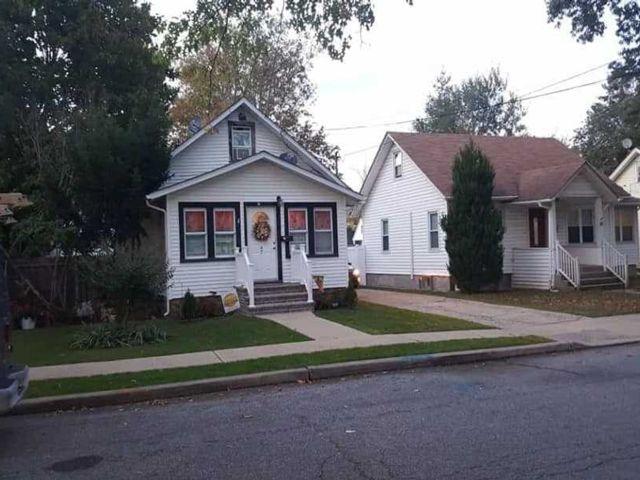 4 BR,  1.00 BTH Cape style home in Baldwin