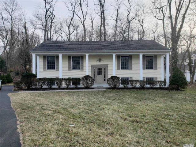 4 BR,  3.00 BTH  Hi ranch style home in Port Jefferson
