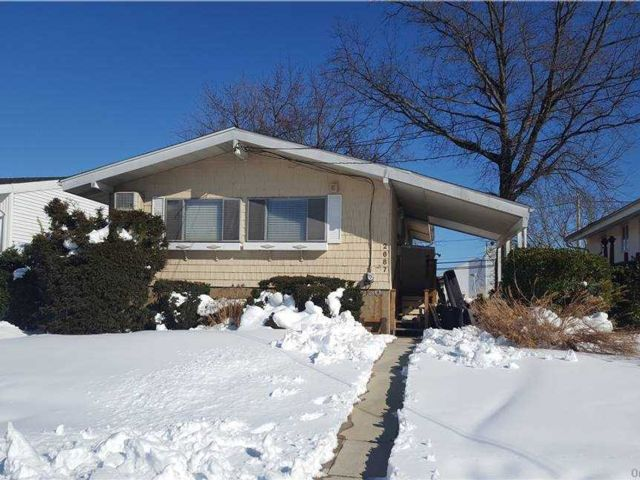 4 BR,  2.00 BTH Ranch style home in Bellmore