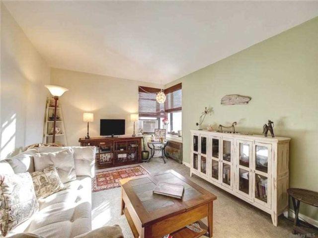 [Jackson Heights Real Estate, listing number 3176105]