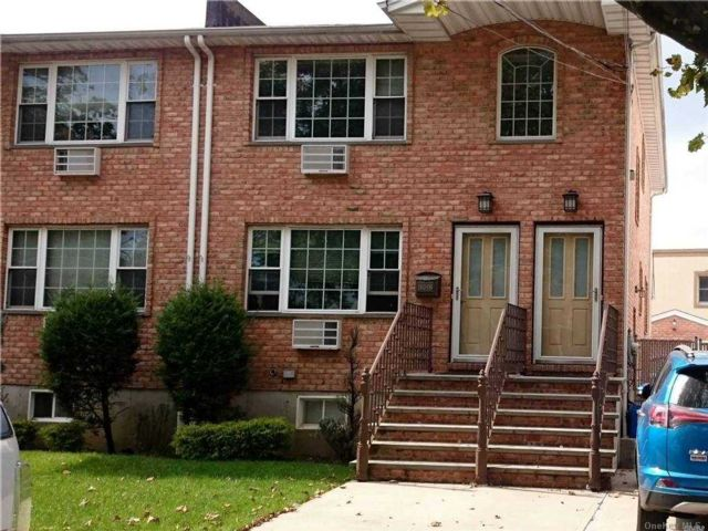2 BR,  1.00 BTH  Apt in house style home in Rosedale