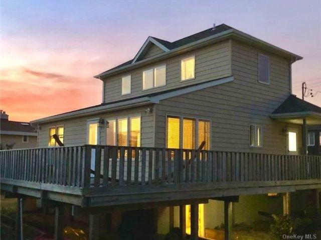 2 BR,  2.00 BTH 2 story style home in Gilgo Beach