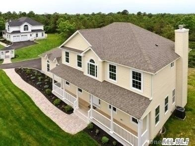 4 BR,  3.00 BTH Colonial style home in Centereach