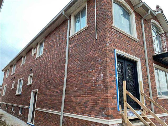 7 BR,  7.00 BTH Duplex style home in Whitestone