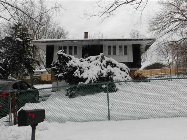 2 BR,  2.00 BTH  Hi ranch style home in East Setauket