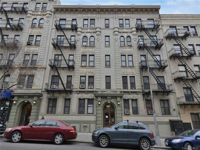 1 BR,  1.00 BTH  Mid rise style home in New York