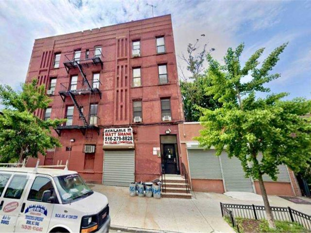Studio,  0.00 BTH Commercial style home in Brooklyn Heights