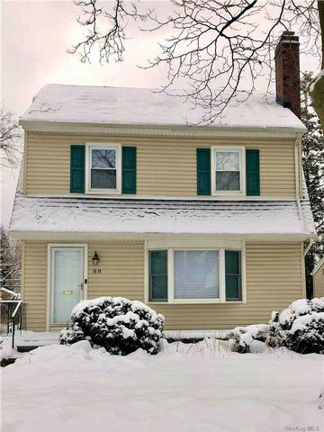 2 BR,  2.00 BTH Colonial style home in Garden City