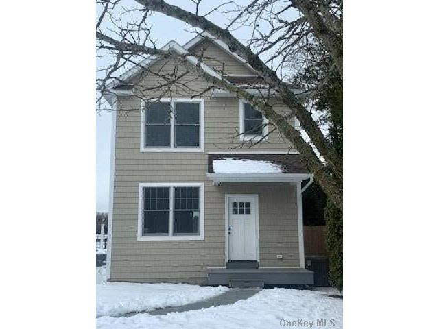 2 BR,  2.00 BTH  Other style home in Hampton Bays