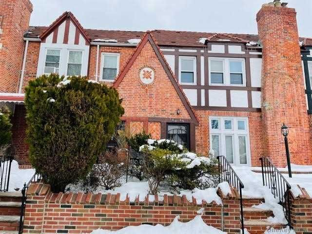 3 BR,  2.00 BTH Tudor style home in Laurelton