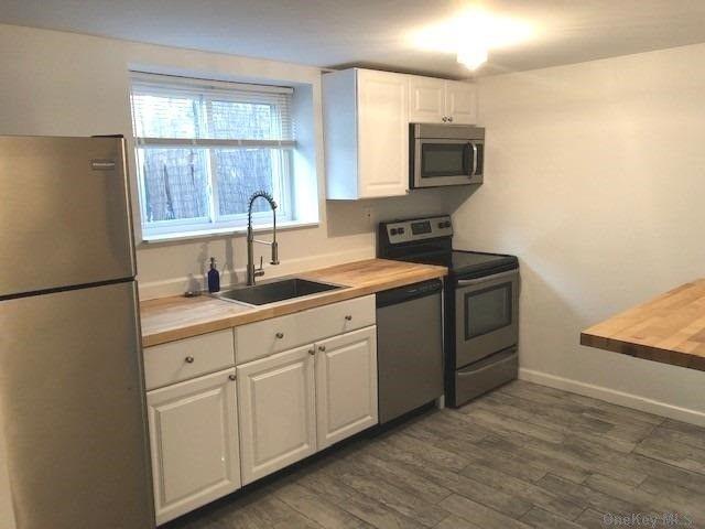 2 BR,  1.00 BTH Duplex style home in Port Washington