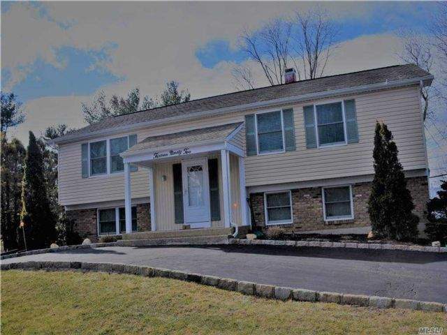 3 BR,  2.00 BTH  Hi ranch style home in Stony Brook