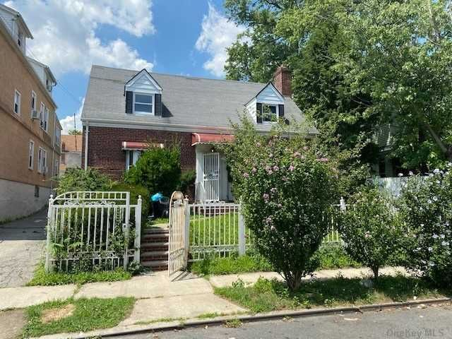 [Wakefield Real Estate, listing number 3176993]