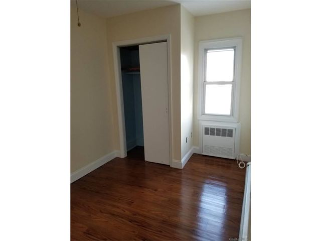 1 BR,  1.00 BTH  Mixed use style home in Merrick