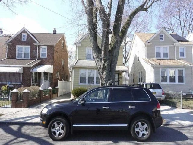 1 BR,  1.00 BTH  Multi family style home in Queens Village