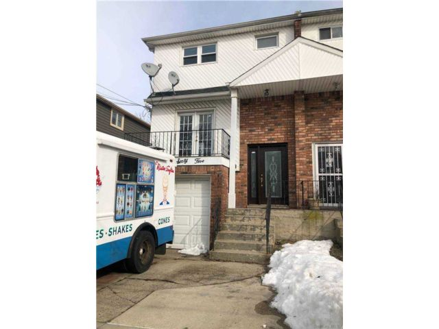 3 BR,  2.00 BTH  House rental style home in Rosedale