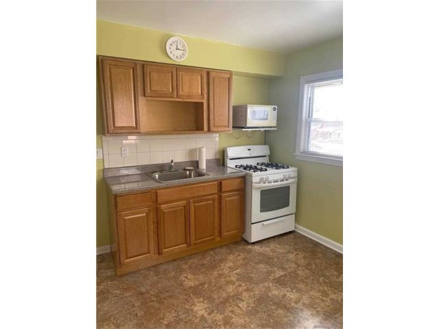 2 BR,  1.00 BTH  Apt in house style home in Queens Village