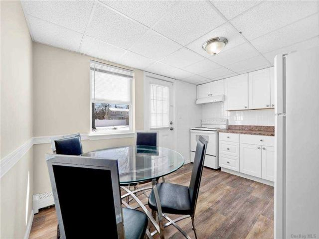 2 BR,  1.00 BTH Apt in house style home in Ronkonkoma