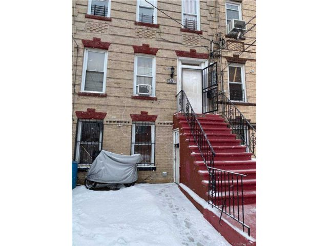 8 BR,  3.00 BTH Mid rise style home in East New York