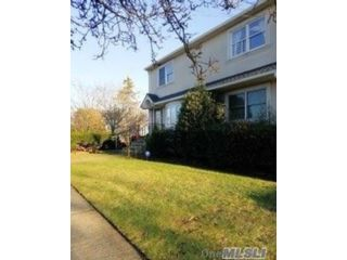 2 BR,  2.00 BTH Colonial style home in Merrick
