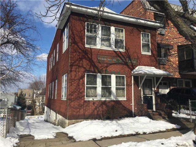 6 BR,  2.00 BTH 2 story style home in Maspeth