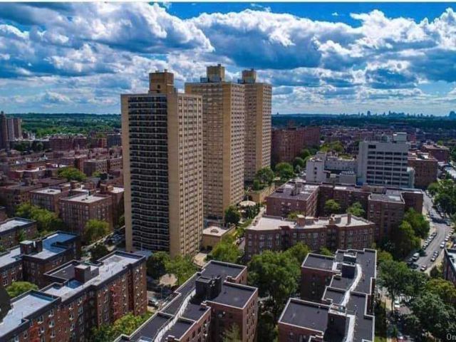 [Forest Hills Real Estate, listing number 3177584]