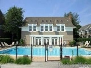 1 BR,  1.00 BTH Other style home in Hampton Bays