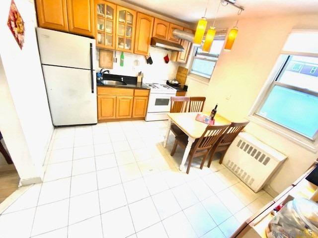 [Bayside Real Estate, listing number 3177919]