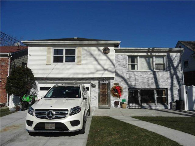 5 BR,  2.00 BTH Contemporary style home in East Elmhurst
