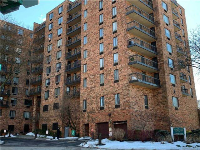 2 BR,  2.00 BTH Mid rise style home in Eastchester