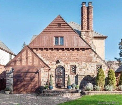 3 BR,  1.00 BTH Tudor style home in Mineola