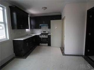 2 BR,  1.00 BTH Apt in bldg style home in Corona