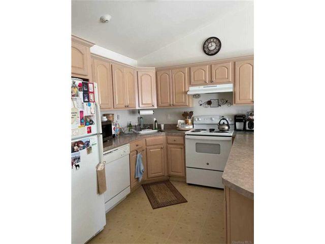 2 BR,  1.00 BTH Garden apartmen style home in West Babylon