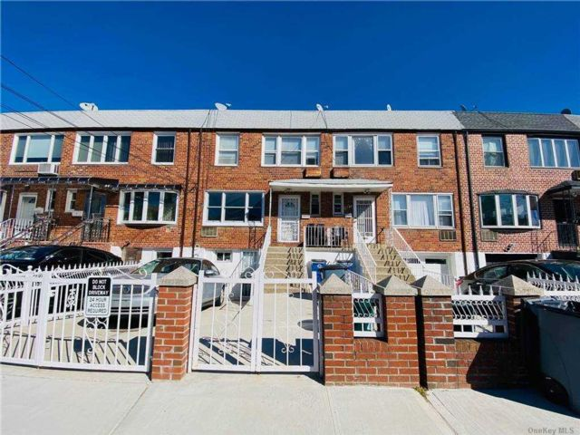 2 BR,  1.00 BTH  Apt in house style home in East Elmhurst