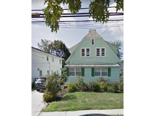 3 BR,  2.00 BTH Other style home in Hempstead