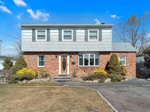 [Bethpage Real Estate, listing number 3178826]