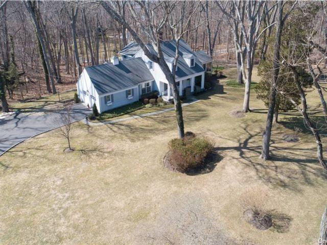 [Nissequogue Real Estate, listing number 3178915]