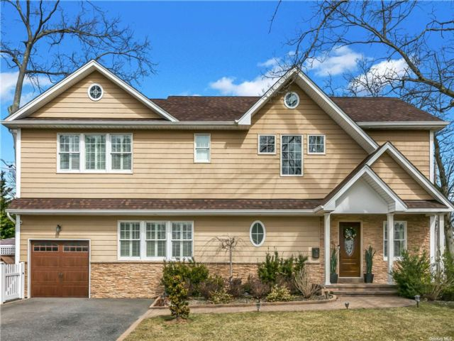 [Massapequa Park Real Estate, listing number 3179044]
