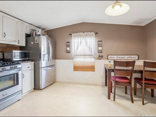 2 BR,  1.00 BTH Other style home in Flanders