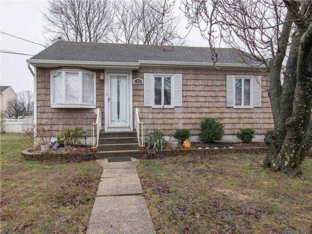 [West Babylon Real Estate, listing number 3179534]