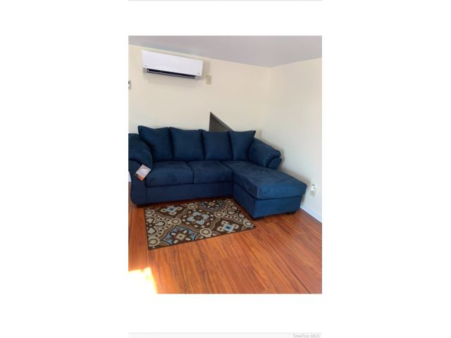1 BR,  1.00 BTH 2 story style home in Freeport